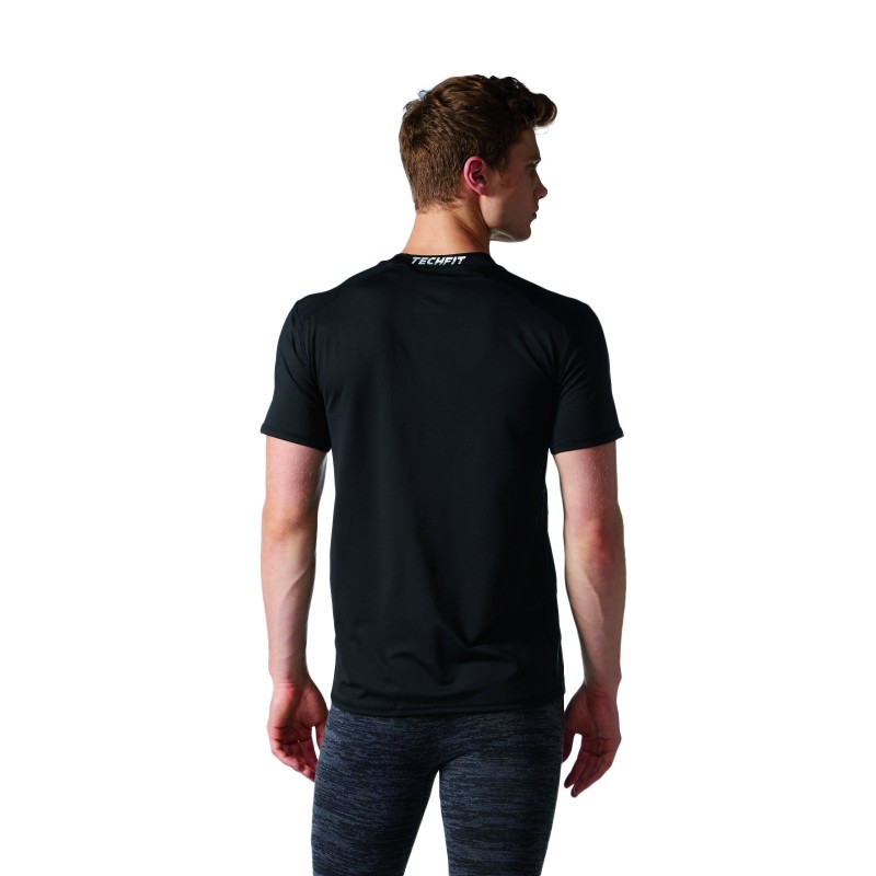 adidas herren t shirt techfit base climalite fitted. Black Bedroom Furniture Sets. Home Design Ideas